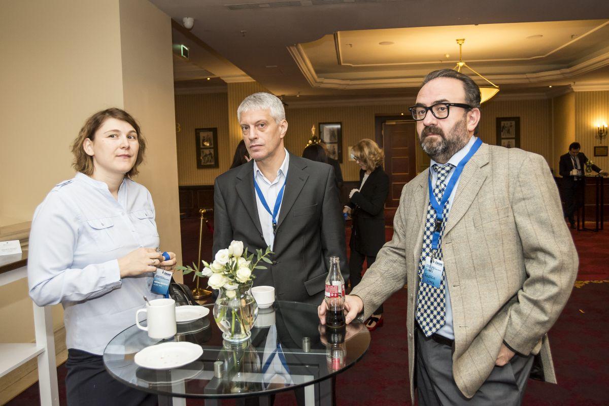 """Conferinta Anuala UNSAR:  """"PROVOCAREA PREZENTULUI – PARTENERIAT PENTRU O ROMANIE ASIGURATA"""""""